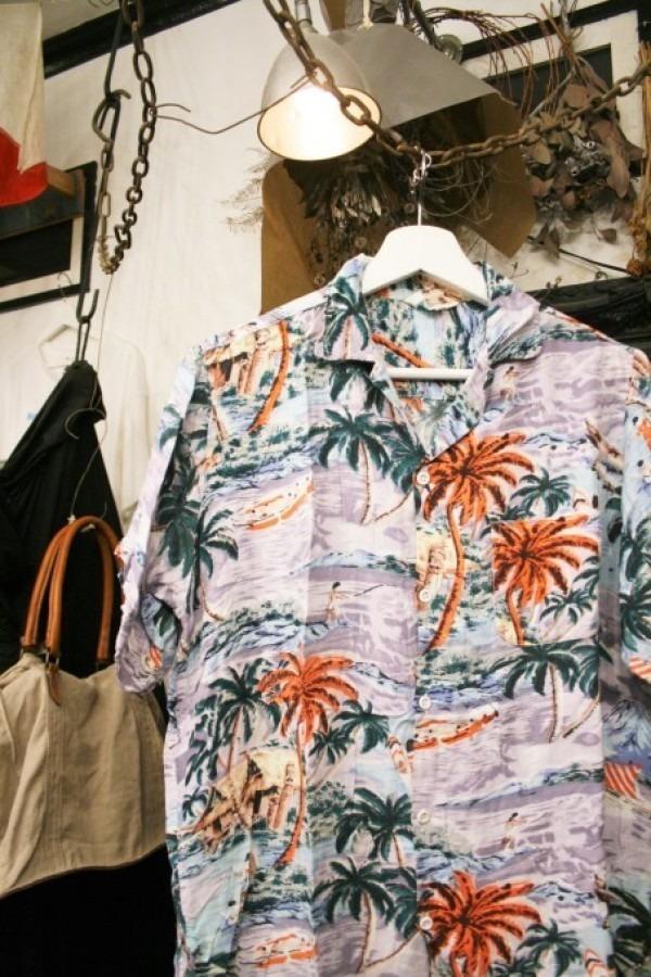 先日の休日 入荷Tシャツ、半袖シャツ_f0180307_02365308.jpg