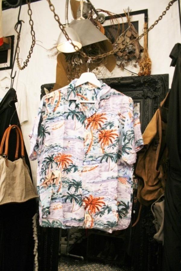 先日の休日 入荷Tシャツ、半袖シャツ_f0180307_02365474.jpg