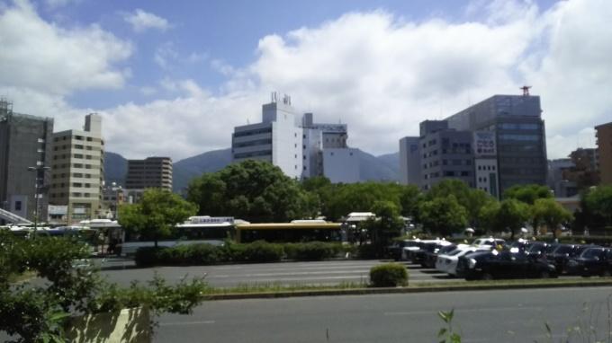 ≪西日本大水害≫一般市民が日常の経済活動に戻れる構図を早くつくろう_e0094315_11104514.jpg