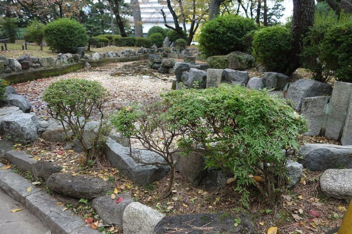 名城公園 乃木倉庫_c0112559_07445827.jpg