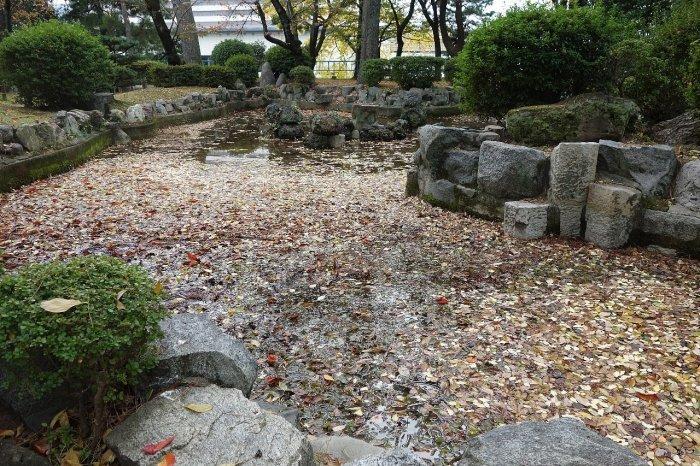 名城公園 乃木倉庫_c0112559_07472188.jpg