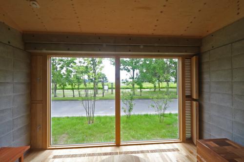 南幌のブロックの家:換気ガラリ付窓ナイトパージ_e0054299_14233631.jpg