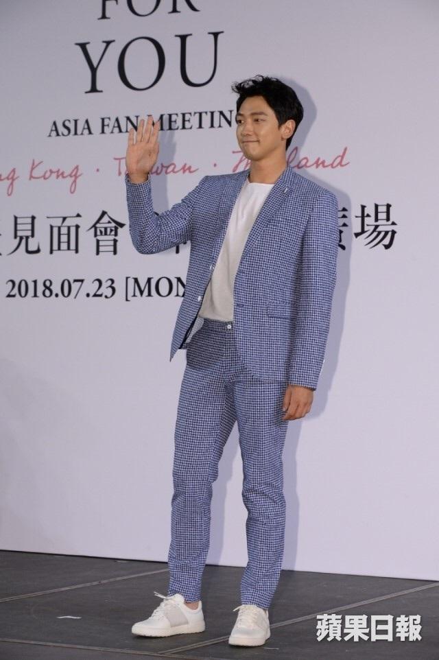RAIN 香港 記者会見_c0047605_08271789.jpg