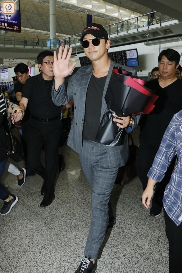RAIN 香港 記者会見_c0047605_08280488.jpg