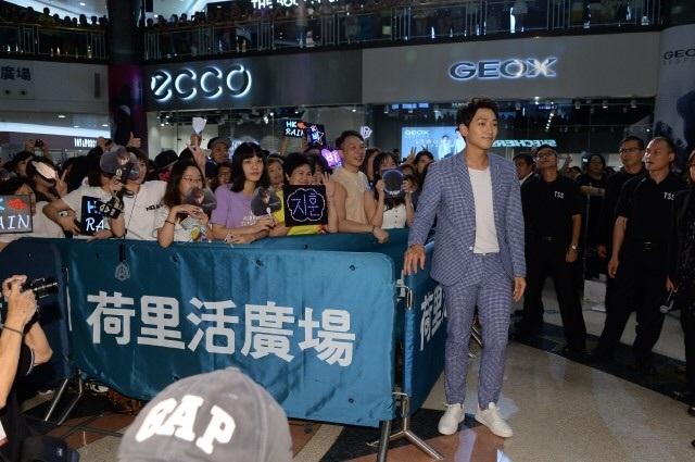 RAIN 香港 記者会見_c0047605_08283482.jpg