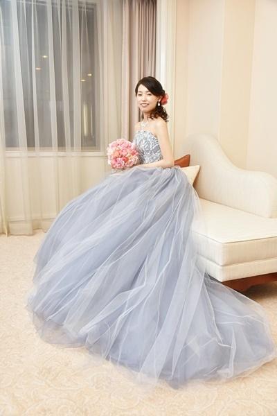 卒花嫁様アルバム 帝国ホテルの花嫁様より、バラのフルキャスケードブーケと天使の靴と_a0042928_19430614.jpg