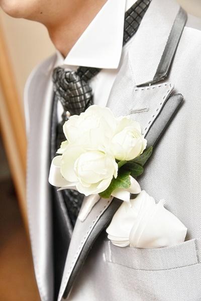 卒花嫁様アルバム 帝国ホテルの花嫁様より、バラのフルキャスケードブーケと天使の靴と_a0042928_19430699.jpg
