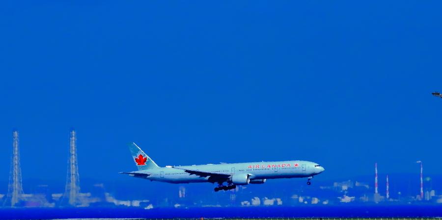 羽田沖空港D滑走路に着陸態勢カナダ航空機_a0150260_06544618.jpg