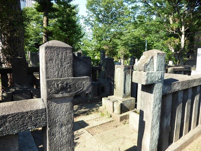 雑司ヶ谷霊園巡りと宣教師館♪ 有名な人のお墓見てきたよ~♪_b0287088_21551888.jpg