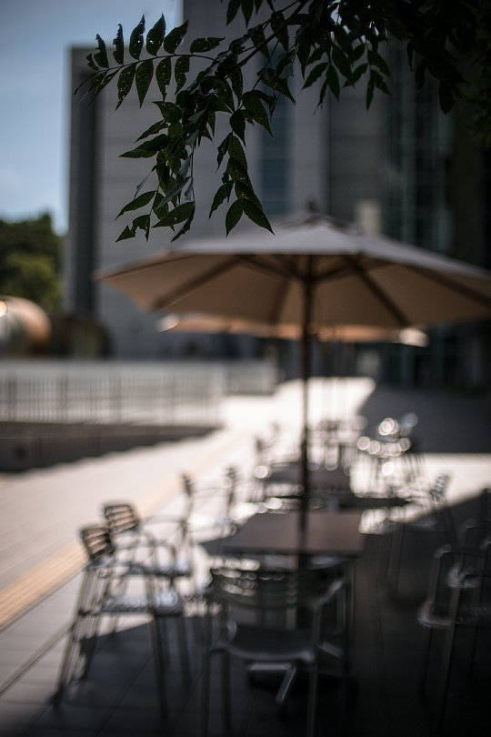 An Invisible Man At A Pavement Cafe In Deadly Heat Wave_d0353489_16592812.jpg