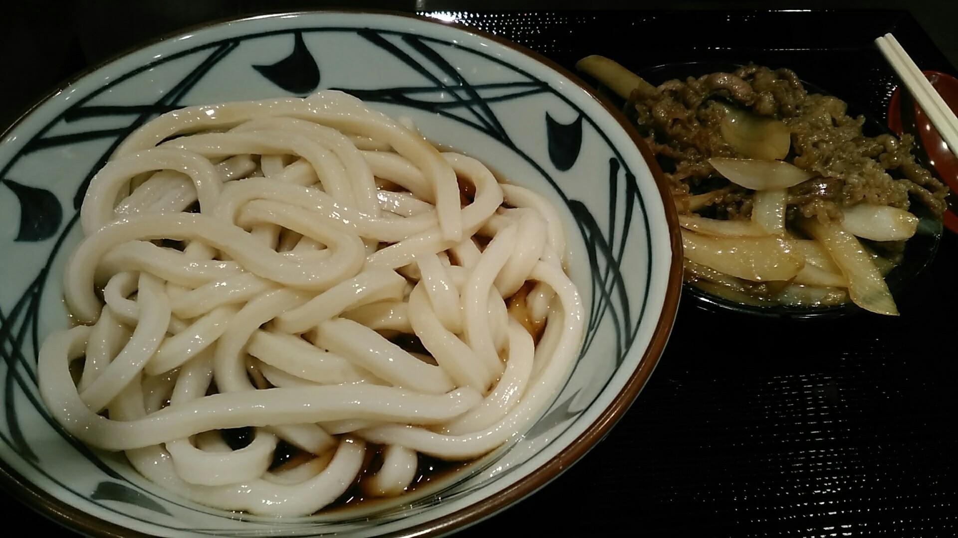 丸亀製麺 『牛山盛りうどん』_a0326295_21210282.jpg