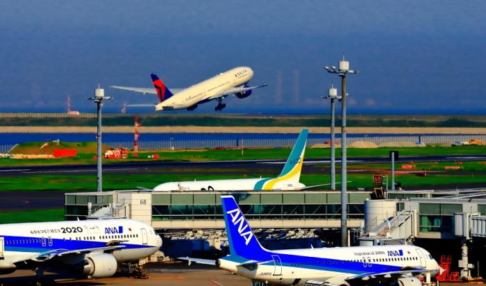 羽田空港第二ターミナルで観た景観_a0150260_23353896.jpg
