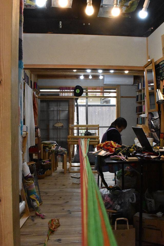 なんとたて糸のカラーバリエーションは40種類以上!!!_d0295916_16160132.jpg