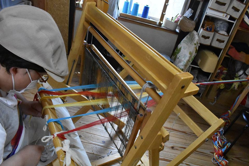 なんとたて糸のカラーバリエーションは40種類以上!!!_d0295916_16160161.jpg