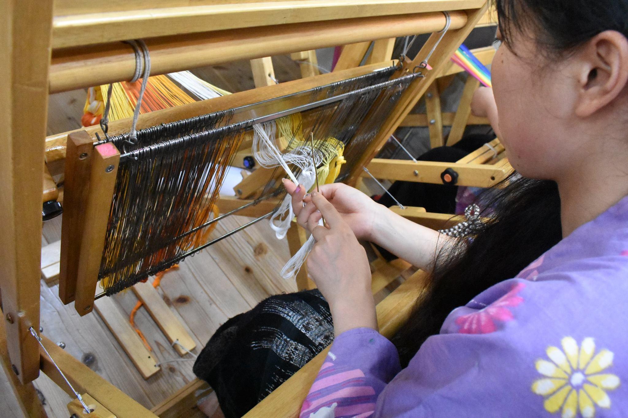 なんとたて糸のカラーバリエーションは40種類以上!!!_d0295916_16160222.jpg