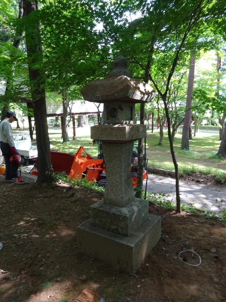 忠魂碑整備作業_c0111229_20224288.jpg