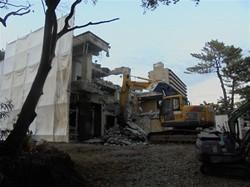 鉄筋コンクリート造の解体現場_c0087349_04451804.jpg