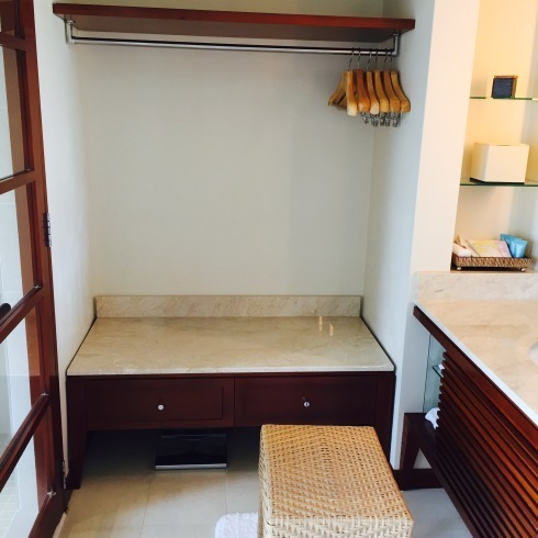 沖縄旅行 2 静かな大人のホテル@ジアッタテラスのお部屋_f0054260_17084358.jpg