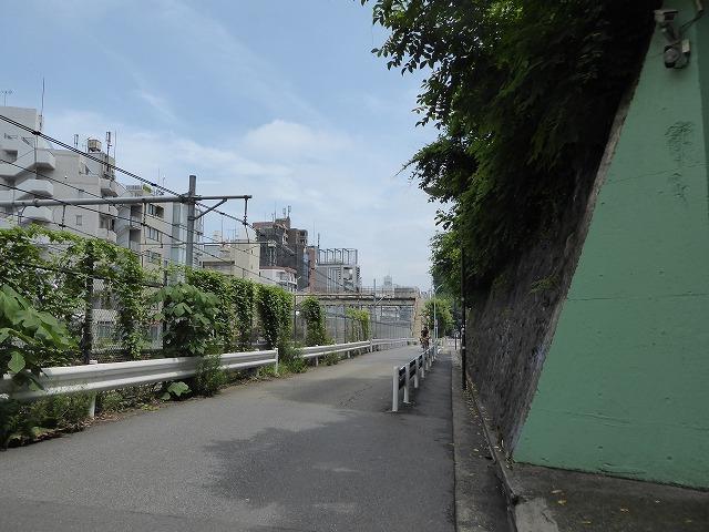 渋谷~恵比寿一駅散歩♪ インドネシア料理食べてゴールはモンタベア♪_b0287088_16544757.jpg