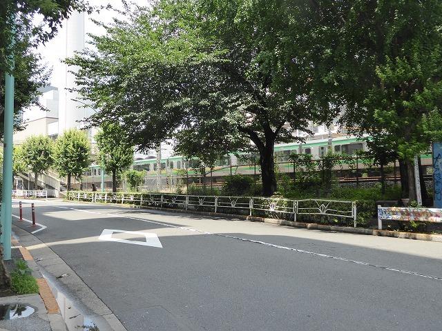 渋谷~恵比寿一駅散歩♪ インドネシア料理食べてゴールはモンタベア♪_b0287088_16550947.jpg