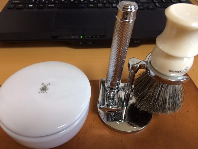 Traditional  Shaving_b0233441_10312270.jpg