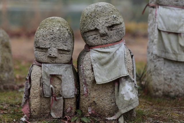密教836 墓を侮辱した者_e0392772_09463615.jpg