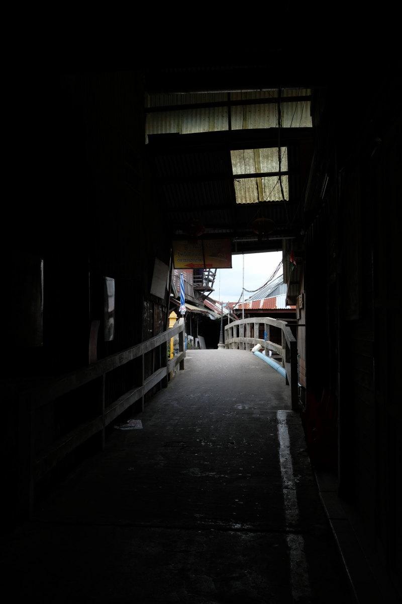 チャチェンサオ  百年市場「タラート・バーンマイ」の午後_b0061717_10371194.jpg
