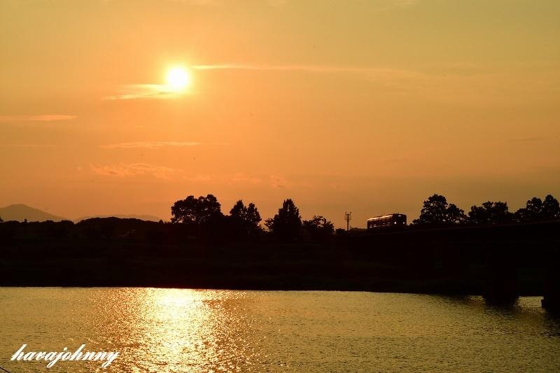 逃げる太陽~北びわこ号送り込み回送~_c0173762_18591205.jpg