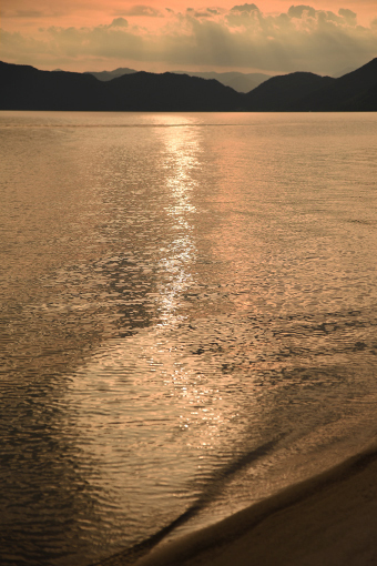 夏の湖_b0259218_05134579.jpg