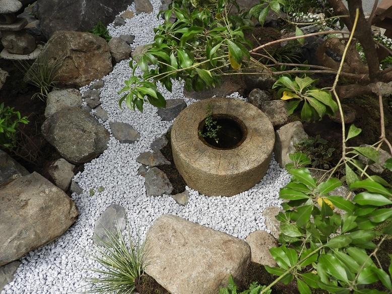 石の庭。_e0356655_20085367.jpg