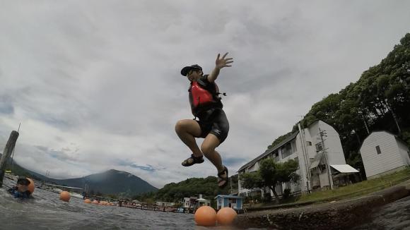 ジャンプ!_f0051306_17030879.jpg