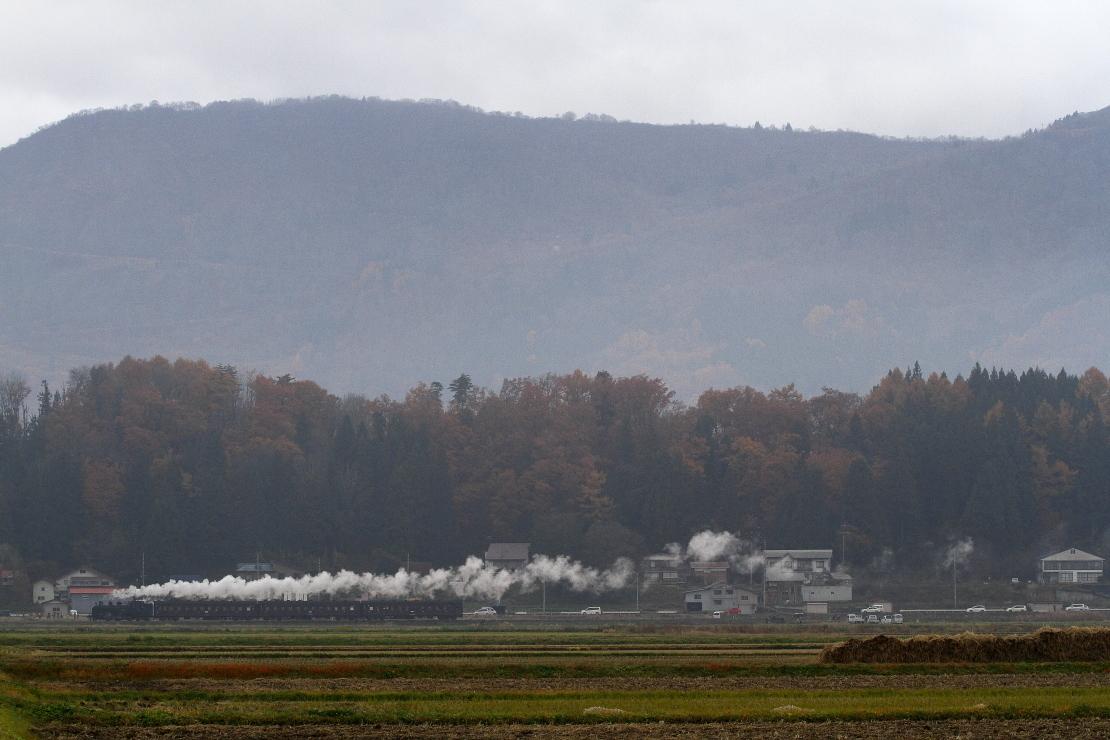 秋の山里を汽車が走った日 - 2016年・飯山線 -_b0190710_22295748.jpg