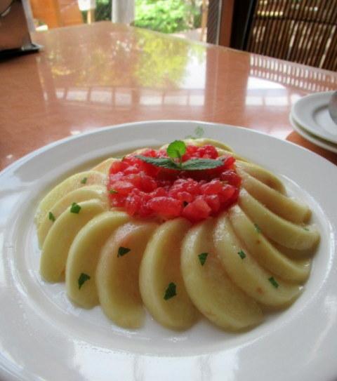 桃の季節は予約必須!* Cafe & Dining  CRESCENT/クレッセント @小諸_f0236260_04203084.jpg