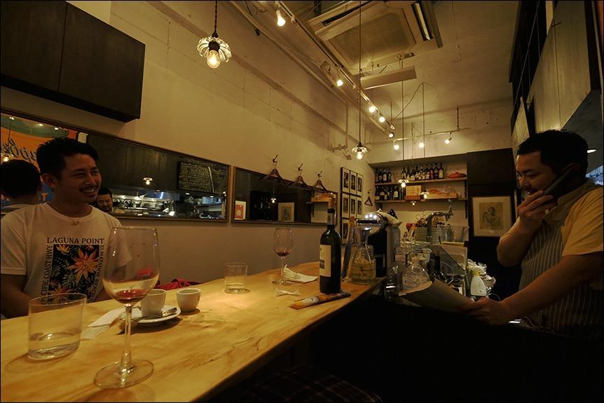 台風襲来の合間をぬって夕食に、その後は?_a0031363_00411244.jpg