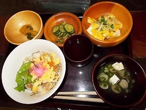 日本の変わり寿司週間!_e0116086_17083747.jpg