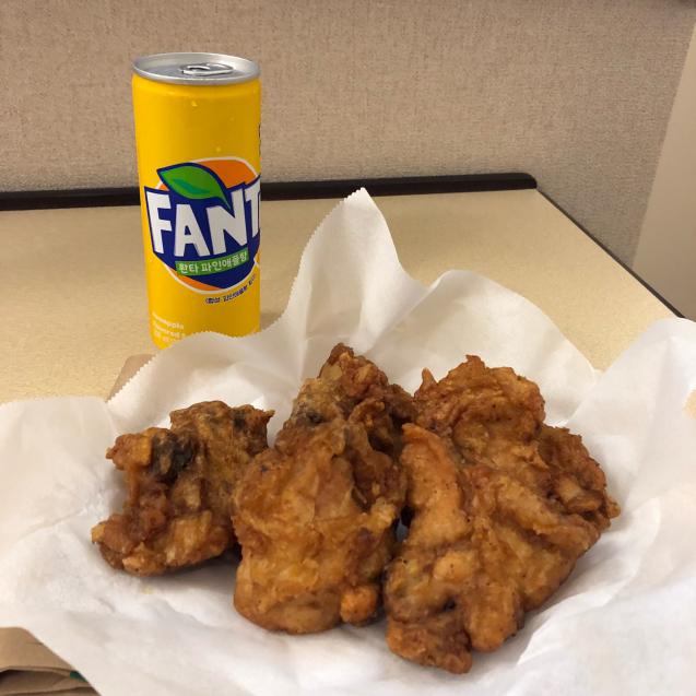 韓国のフライドチキンを1人で食べ切るには…_d0285416_19172025.jpg