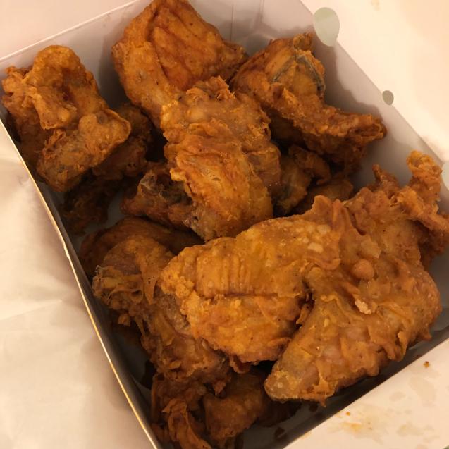 韓国のフライドチキンを1人で食べ切るには…_d0285416_19174470.jpg