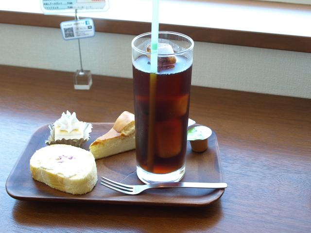 カフェ ミントブルー(ケーキセット)_d0153062_20253255.jpg
