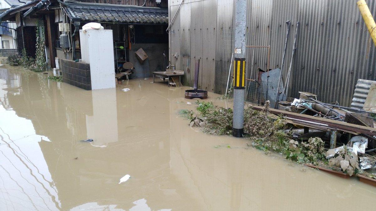 7月10日、真備町で大雨災害後の片付け支援活動をしました_d0155415_02194152.jpg