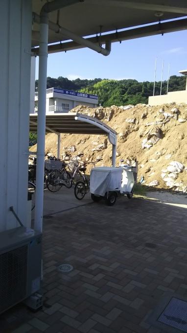 西日本大水害を忘れない。「一年前」とうって変わって暑い晴天_e0094315_07534542.jpg