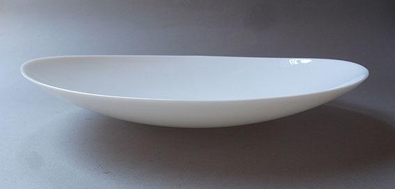 白ガラスの楕円皿_e0111789_09420623.jpg