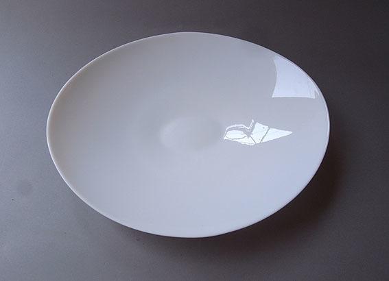 白ガラスの楕円皿_e0111789_09420645.jpg