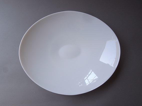 白ガラスの楕円皿_e0111789_09420794.jpg