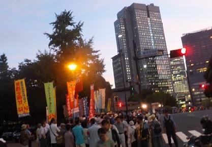 7.30官邸前緊急抗議行動に450人!_d0391192_21150021.jpg