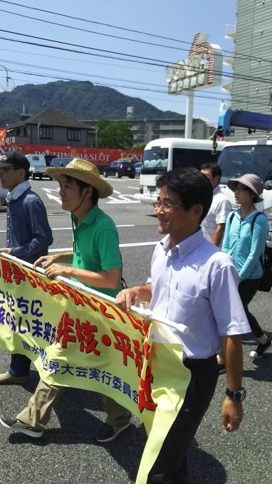 非核平和行進、安佐南区を通過_e0094315_15043112.jpg