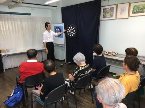 認知症予防教室(ダーツで脳トレーニング)_c0113948_15150531.jpg