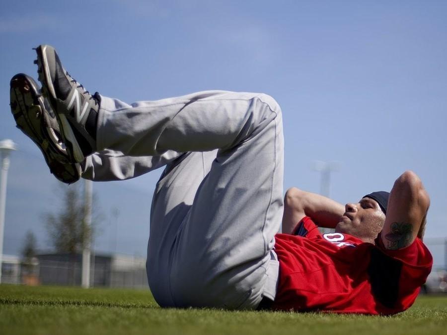 昔ながらの腹筋運動は無意味?!_f0378589_12115310.jpg