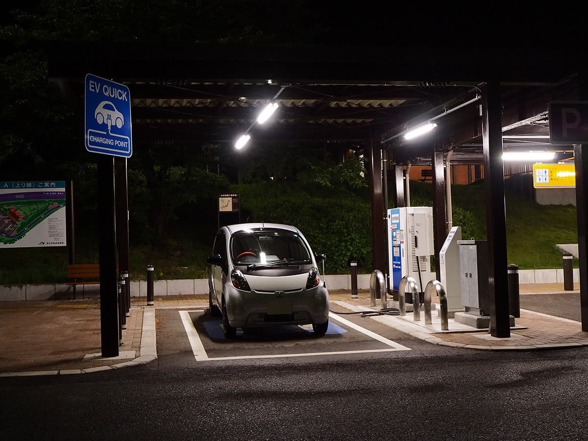 人生が嫌になったんで最弱電気自動車三菱 i-MiEVで東北自動車道700キロを走破してみた_a0112888_21471911.jpg