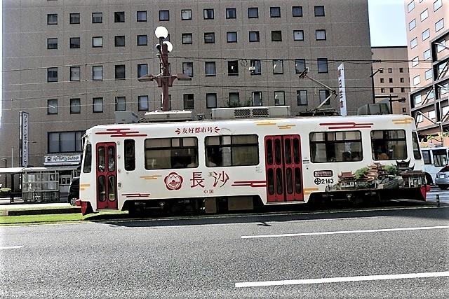 藤田八束の路面電車写真@鹿児島市内を走る路面電車は可愛い、線路の芝生が綺麗・・・西郷どん_d0181492_23473813.jpg