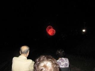 夜間外出レク 花火 8月1日_e0163042_14211666.jpg